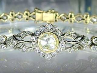 約2.7ctの2種のローズカットダイヤ使用(鑑定書付)【商品番号4607】c
