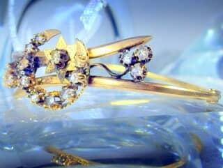 2種のオールドカットダイヤで月と星(フランス刻印)(鑑定書付)【商品番号4680】g