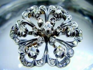 42石,2種のオールドカットダイヤ(鑑定書付)【商品番号2608】g