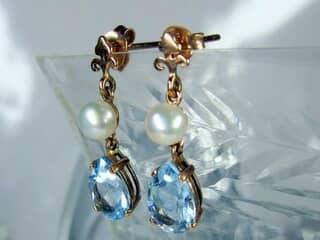 真珠とブルートパーズ(9.5×5.5ミリ)【商品番号008d】f