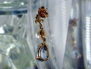 真珠とブルートパーズ(9.5×5.5ミリ)【商品番号008d】h