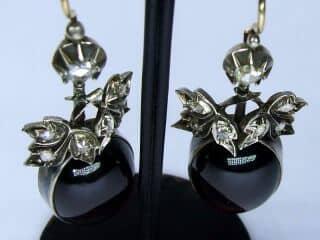 約1.4ctダイヤとカボッションガーネット(鑑定書付)【商品番号E20】g