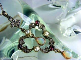 ダイヤとオパールと真珠【商品番号1276】g