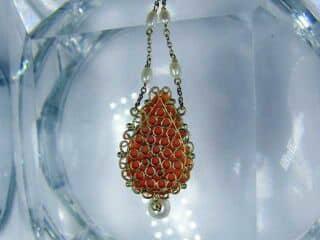 地中海珊瑚と真珠でバラモチーフ【商品番号750c】e