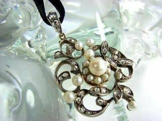沢山のローズカットダイヤと真珠6粒(鑑定書付)【商品番号3142】c