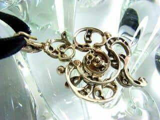 沢山のローズカットダイヤと真珠6粒(鑑定書付)【商品番号3142】f