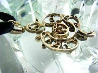 沢山のローズカットダイヤと真珠6粒(鑑定書付)【商品番号3142】g
