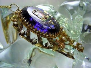 ルビーと真珠とリモージュエナメル(鑑定書付)【商品番号3619】i