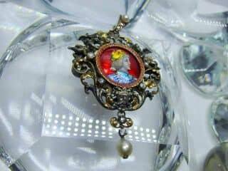 ローズカットダイヤと真珠とリモージュエナメル(鑑定書付)【商品番号4477】c