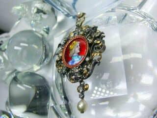 ローズカットダイヤと真珠とリモージュエナメル(鑑定書付)【商品番号4477】d