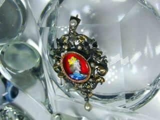 ローズカットダイヤと真珠とリモージュエナメル(鑑定書付)【商品番号4477】f