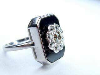 約0.9ct2種類のオールドカットダイヤとオニキス(鑑定書付)【商品番号r82】g
