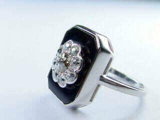 約0.9ct2種類のオールドカットダイヤとオニキス(鑑定書付)【商品番号r82】i