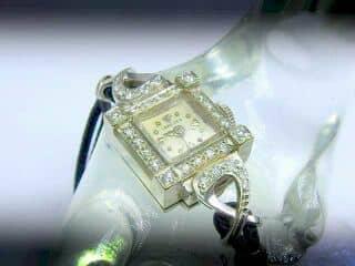 30石のダイヤをあしらったロンジン(LONGINES)社【商品番号1181A】e