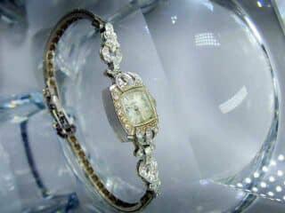 28石のダイヤをあしらったALTAIR(アルタイル) 社製(鑑定書付)【商品番号2503】e