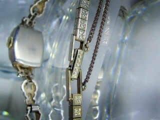 28石のダイヤをあしらったALTAIR(アルタイル) 社製(鑑定書付)【商品番号2503】g