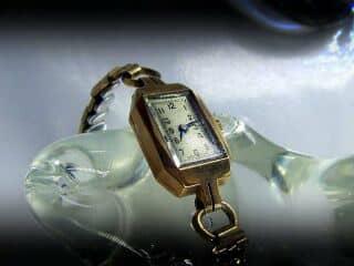 ビンテージスイス製の手巻き時計【商品番号394C 】c