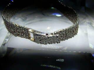 ボーム&メルシエ (BAUME&MERCIER) ダイヤ使用(鑑定書付)【商品番号4602】g
