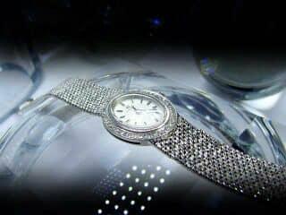 オメガ社の42石のダイヤモンド使用【商品番号4606】c